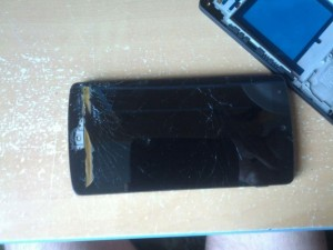 разбитый экран nexus 5